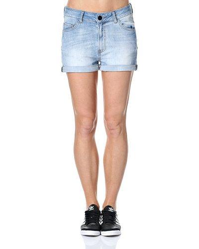 Shorts från JUST FEMALE till dam.