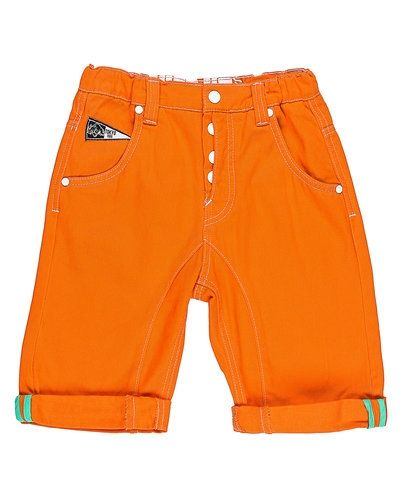 Till herr från Kids-up, en orange shorts.