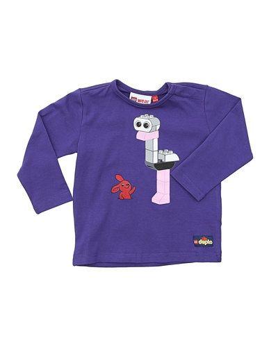Till dam från LEGO Wear, en lila tröja.