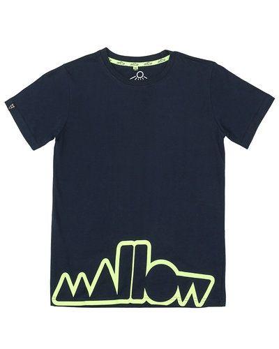 Till kille från Mallow, en blå t-shirts.