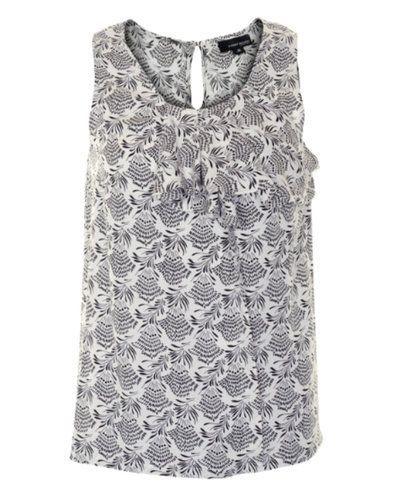 Grå klänning från Margit Brandt till dam.