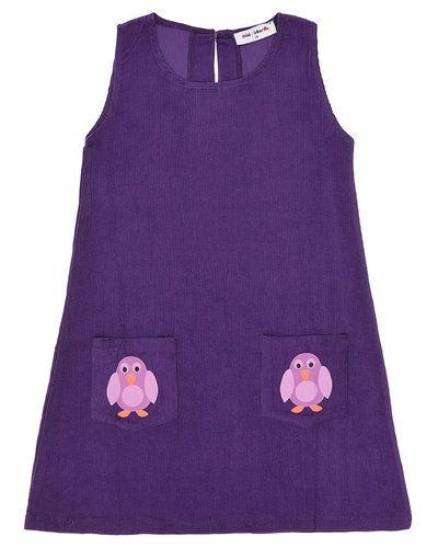 Till flicka från Mini Cirkus, en lila miniklänning.