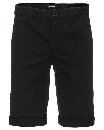 Till herr från Minimum, en svart shorts.