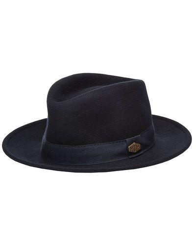 Till dam från MJM, en blå hatt.