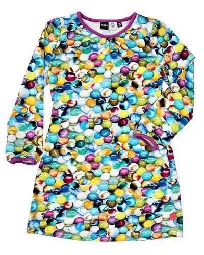 a1422ff9081f Lila klänning från Molo till barn.