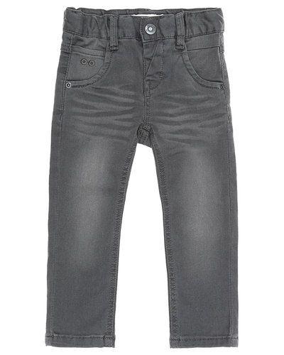 Till barn från Name it, en grå blandade jeans.