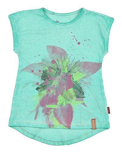 Till dam från Name it, en grön t-shirts.