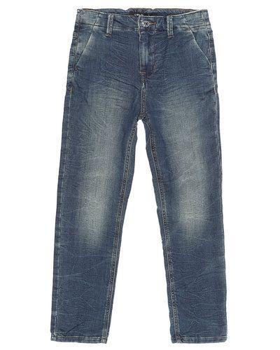 Till kille från Name it, en blå jeans.