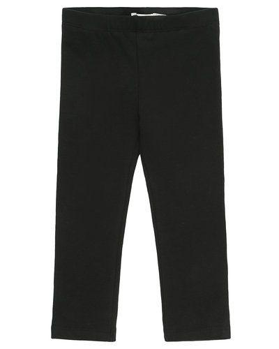 Till tjej från Name it, en svart leggings.