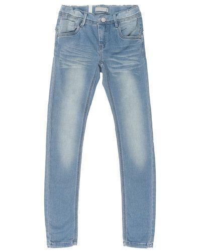 Till barn från Name it, en blå blandade jeans.
