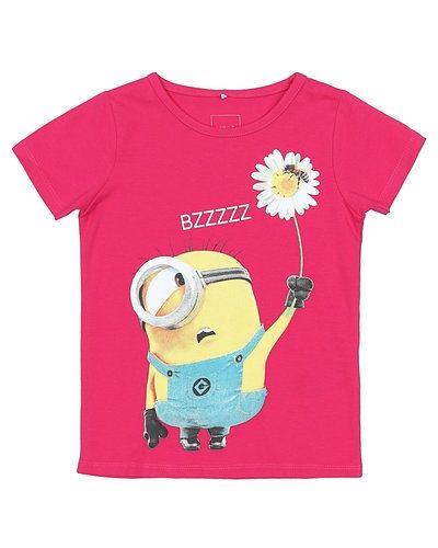 Till tjej från Name it, en rosa t-shirts.
