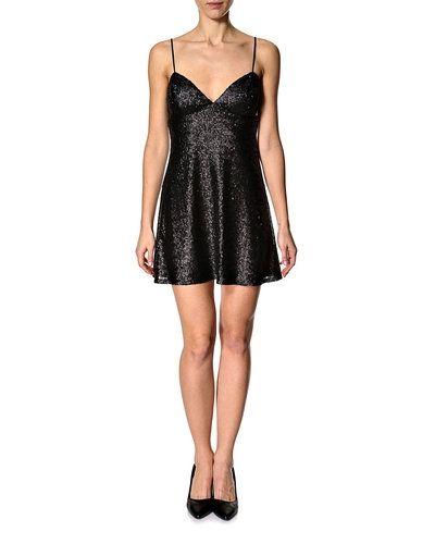 Klänning NEW LOOK klänning från New Look