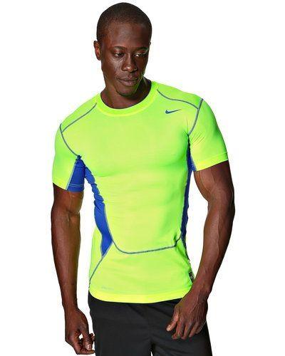 Nike HyperCool Compression T-Shirt från Nike, Underställ