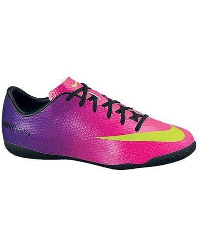 Nike JR MERCURIAL VICTORY IV IC 555646 635 FRBRRY/ från Nike, Fotbollsskor