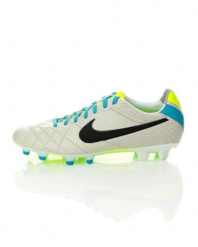 Nike Tiempo Legend IV FG fotbollsskor från Nike, Fasta Dobbar
