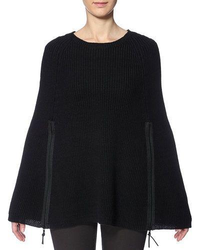 Till dam från Noisy May, en svart stickade tröja.