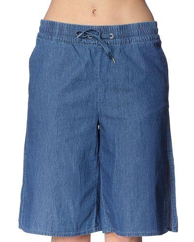 Blå shorts från Noisy May till dam.