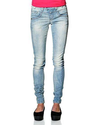 Blandade jeans från Object till dam.