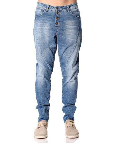 Till dam från Object, en blå blandade jeans.