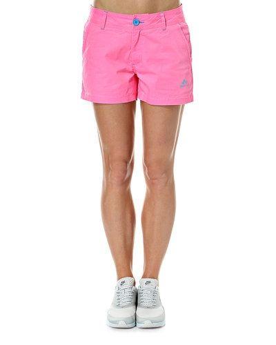 Till dam från ONLY, en rosa shorts.