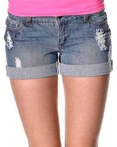 Blå shorts från ONLY till dam.