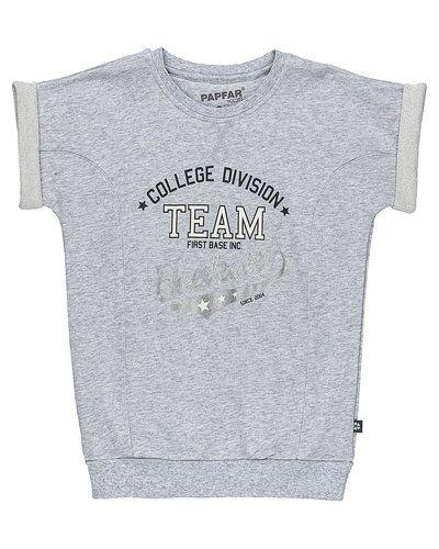 Till unisex/Ospec. från Papfar, en grå sweatshirts.