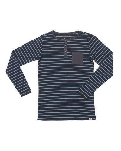 Till kille från Papfar, en blå tröja.