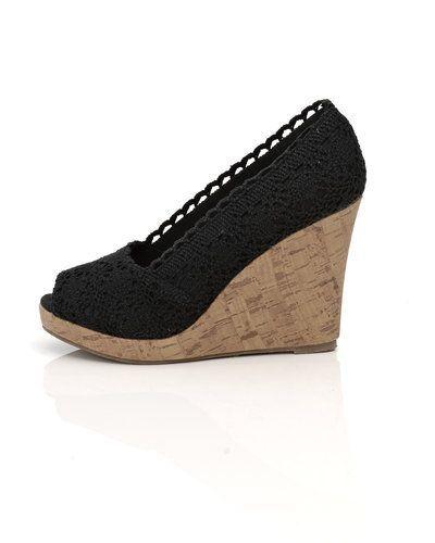 skor med kilklack