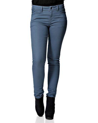 Jeans från Pieces till dam.
