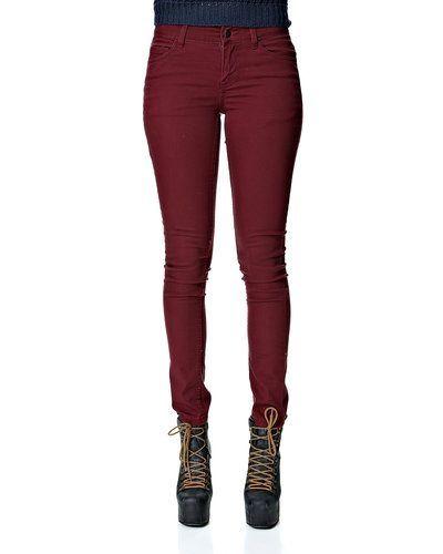 Röd blandade jeans från Pieces till dam.