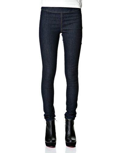 Pieces blandade jeans till dam.