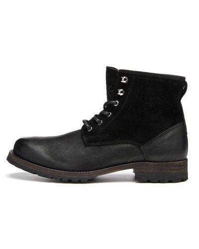 Till herr från Playboy Footwear, en svart vinterstövlel.
