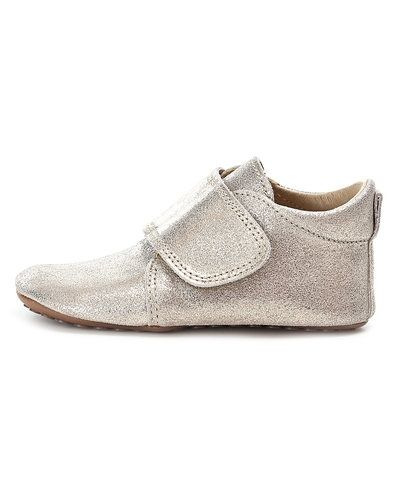 Till dam från POM POM, en guld sko.