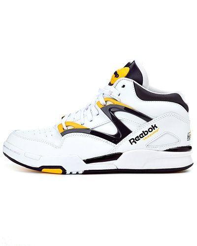Till dam från Reebok, en vit sneakers.