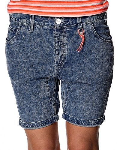 Blå shorts från Rütme till dam.