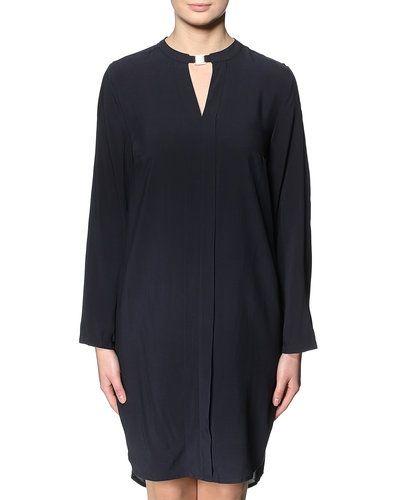 Till dam från Saint Tropez, en blå miniklänning.
