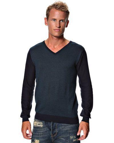Selected Selected 'Bridge' stickad tröja. Huvudbonader håller hög kvalitet.