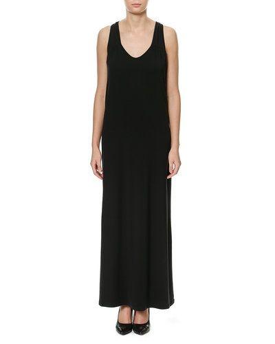 Maxiklänning från Selected Femme till dam.