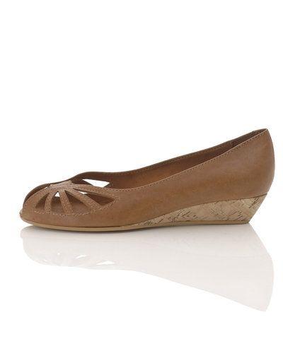 Shoe Biz sko till dam.