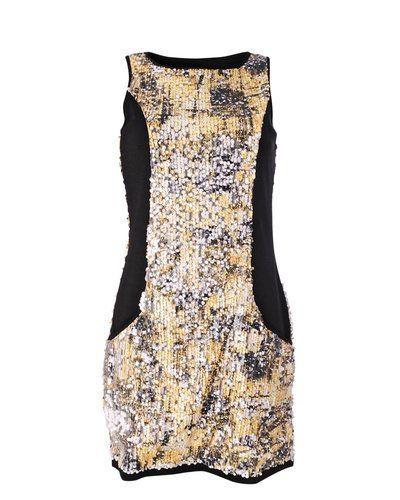 Till dam från Soft Rebels, en flerfärgad klänning.