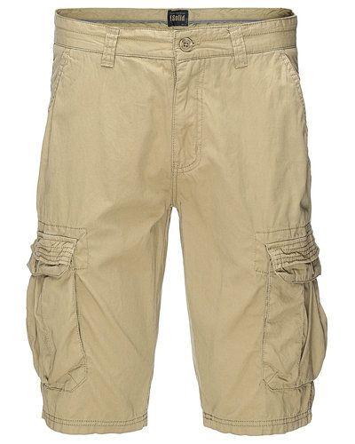 Shorts från Solid till herr.