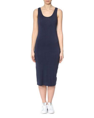 Till dam från Sparkz, en blå maxiklänning.