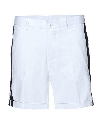 Vit shorts från STYLEPIT till unisex/Ospec..