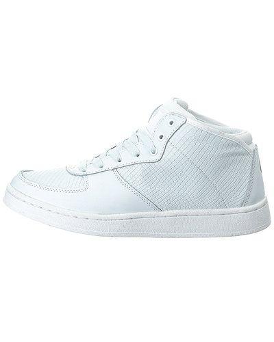 Till herr från STYLEPIT, en vit höga sneakers.