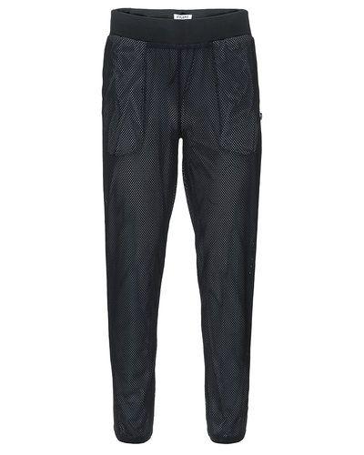 Till herr från STYLEPIT, en svart jeans.