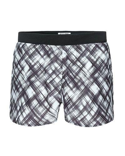 Till unisex/Ospec. från STYLEPIT, en grå shorts.