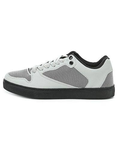 Grå sneakers från STYLEPIT till dam.