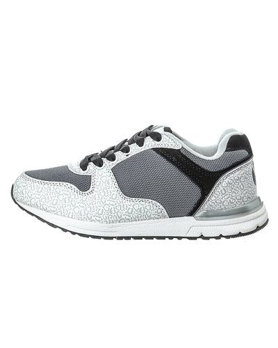 Vit sneakers från STYLEPIT till dam.