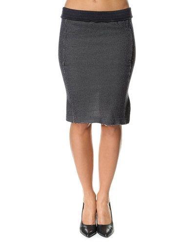 Suit kjol till kvinna.