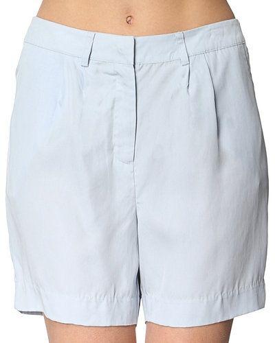 Suit shorts till dam.